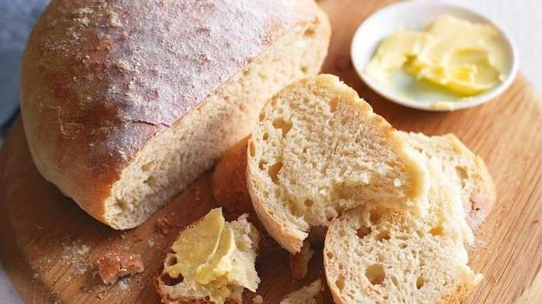 يجب أن يكون الخبز والدقيق كيف يكون؟